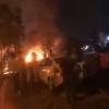 فيديو من كربلاء.. نيران تشتعل قرب القنصلية الإيرانية وتظاهرات غاضبة لاغتيال الوزني