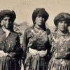 التراث. يعني الوجود شعب أصيل لهُ تأريخ وتراث